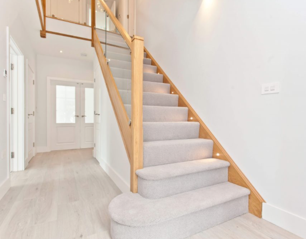 Feature Step Staircase Fife